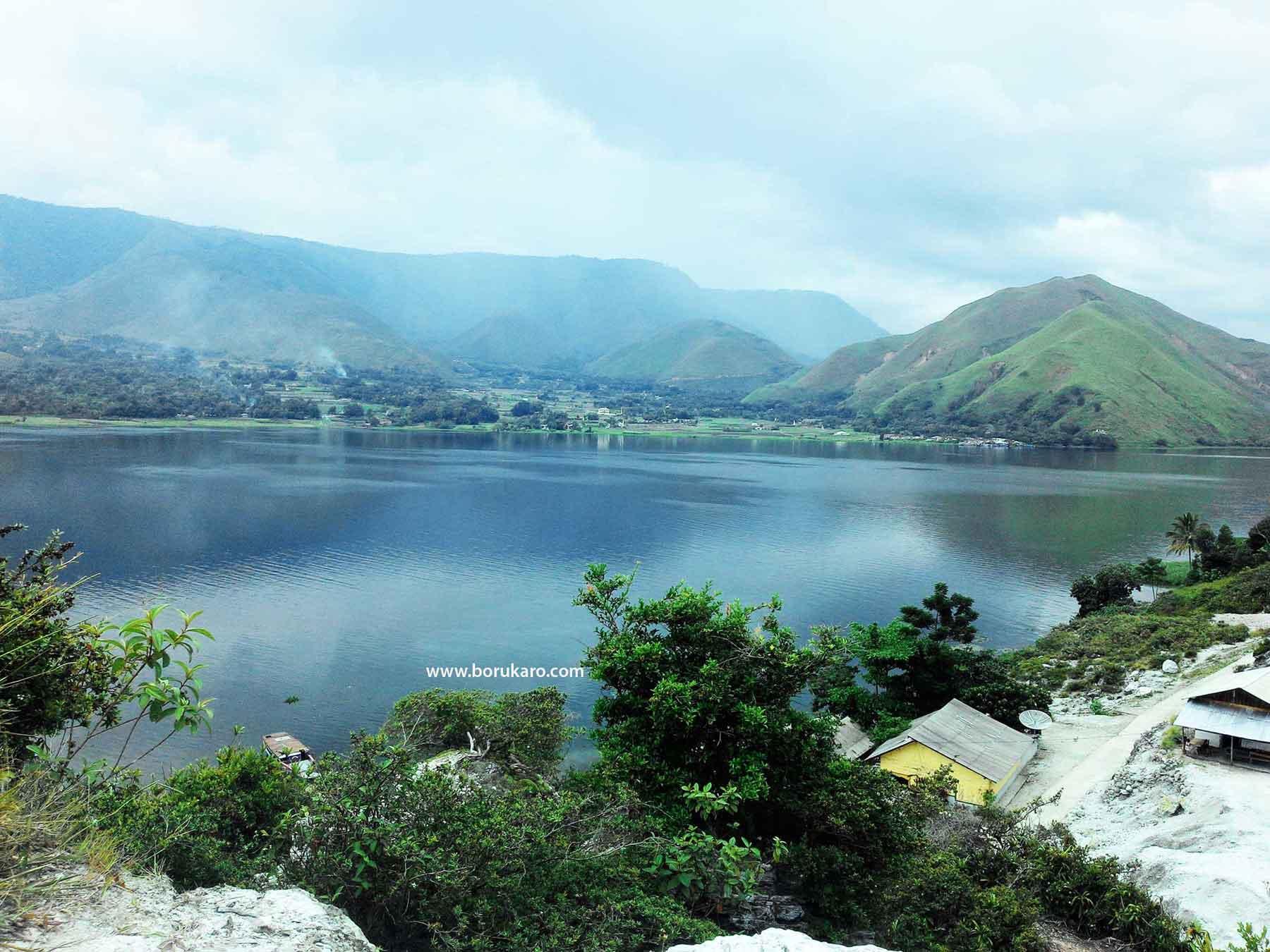 Menikmati Indahnya Danau Toba, dari Desa Sampean Pesisir Danau Toba