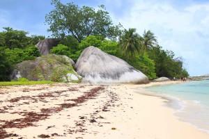 Pantai Pulau Gede Kepayang