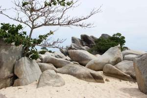 Bongkahan Granit di Pulau Lengkuas