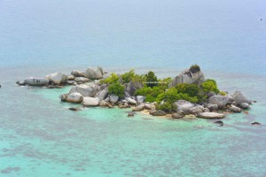 Pulau di Tepi Pulau Lengkuas
