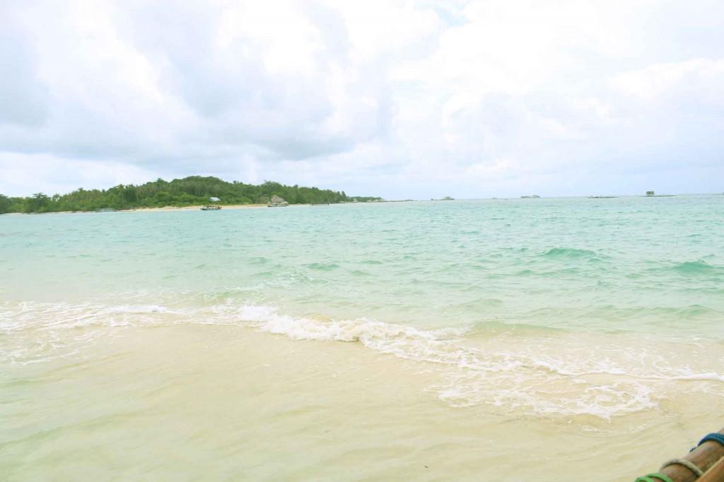 Pulau Pasir di Tengah Laut
