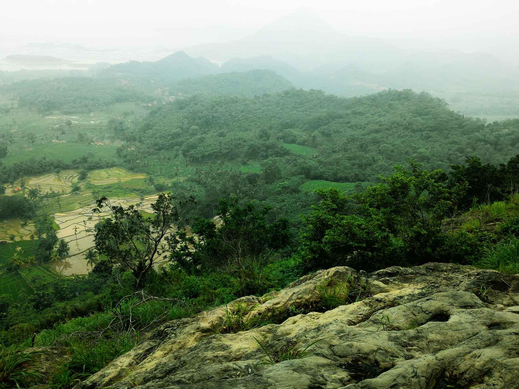 Pemandangan dari Gunung Parang