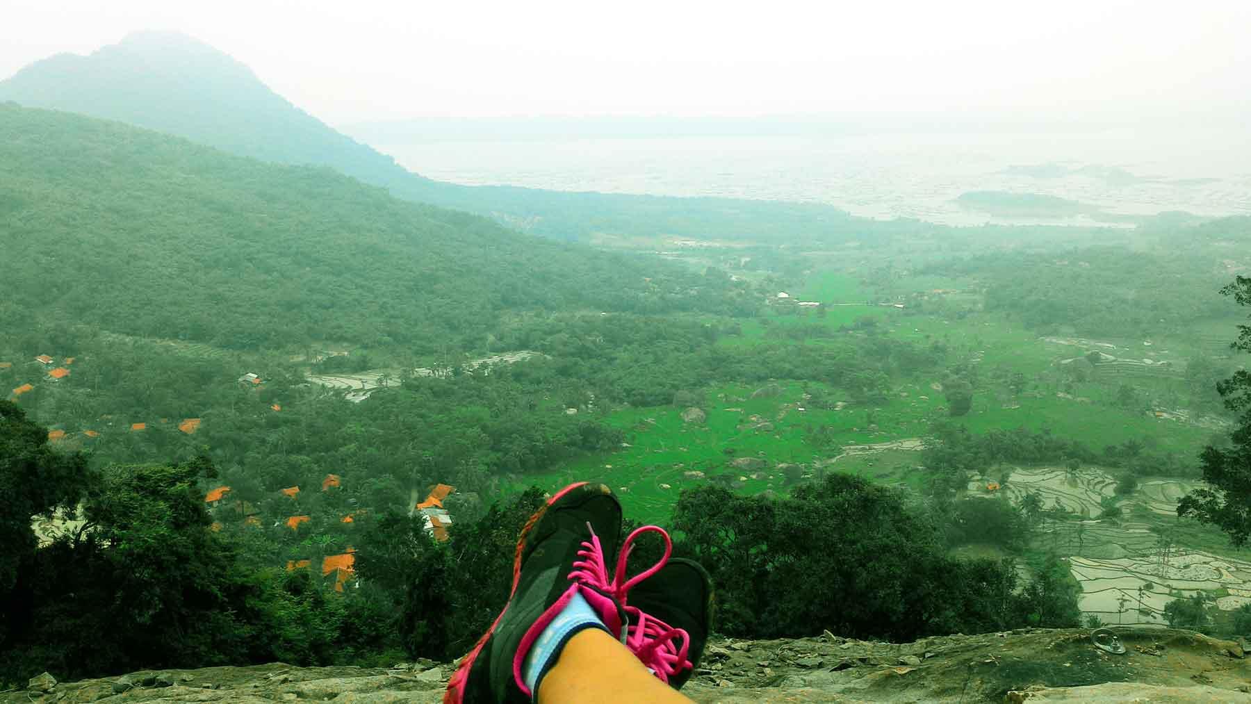 Nikmati Weekend dengan Uji Adrenalin di Badega Gunung Parang