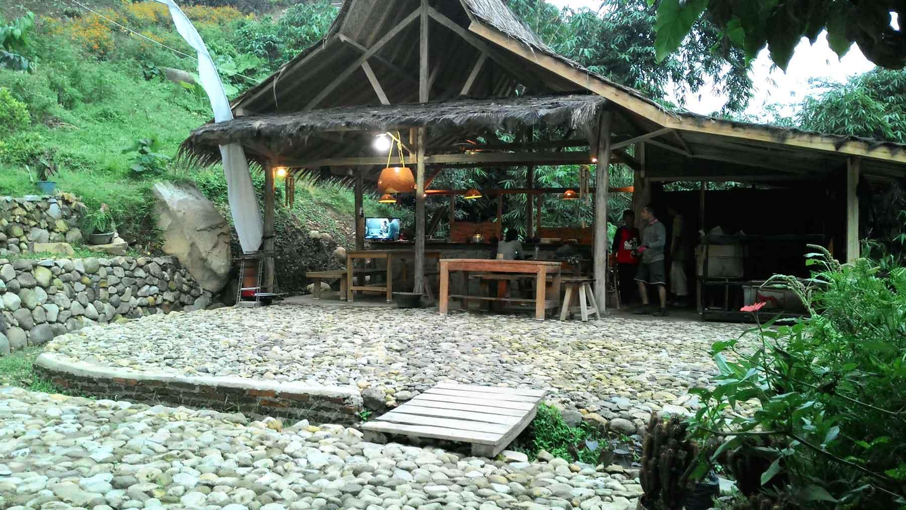 Tempat Makan di Badega Parang