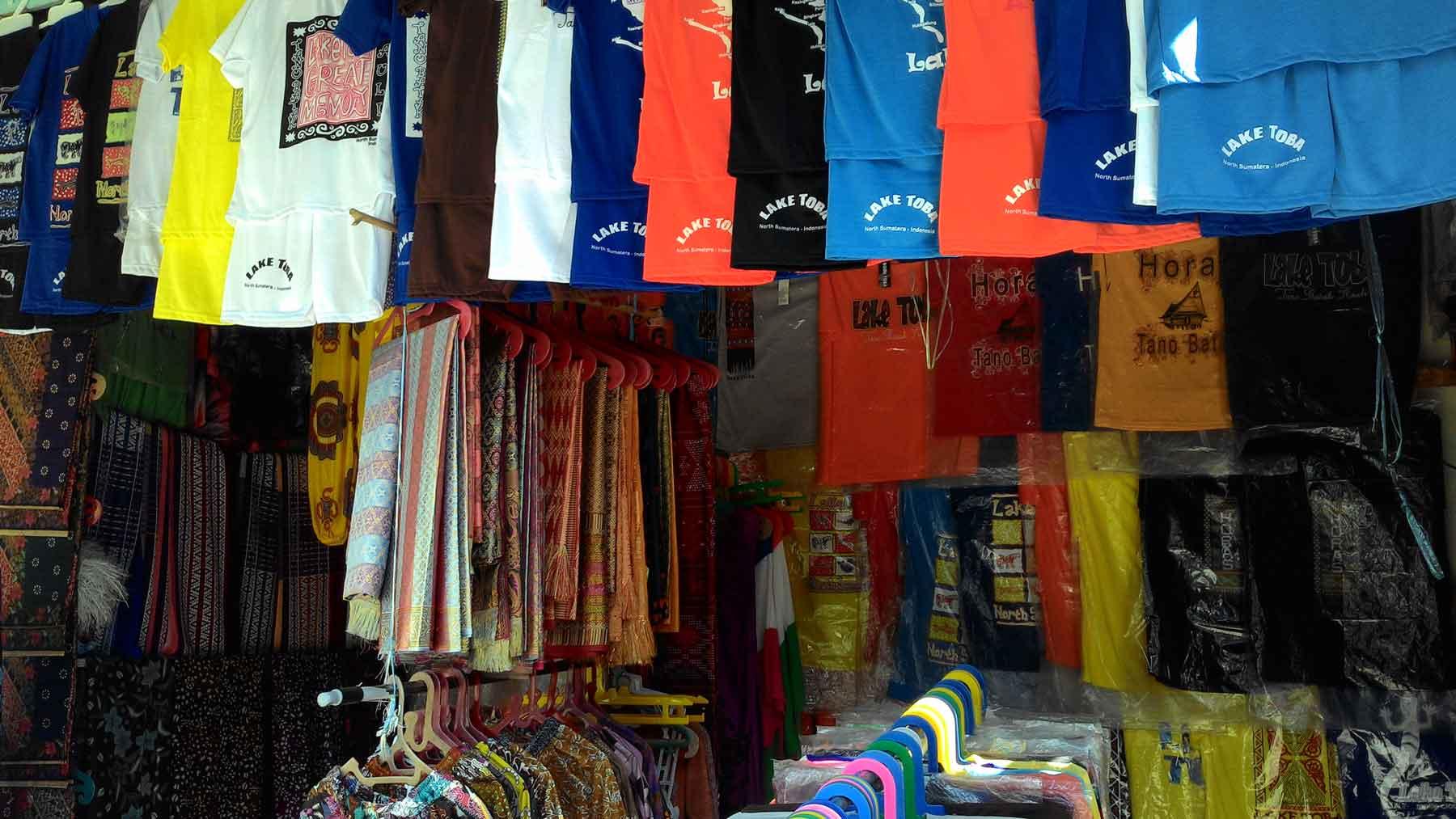 Souvenir Baju Huta Siallagan