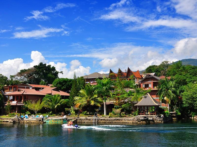 10 Penginapan dan Hotel di Tuktuk Samosir yang Dekat dengan Danau Toba