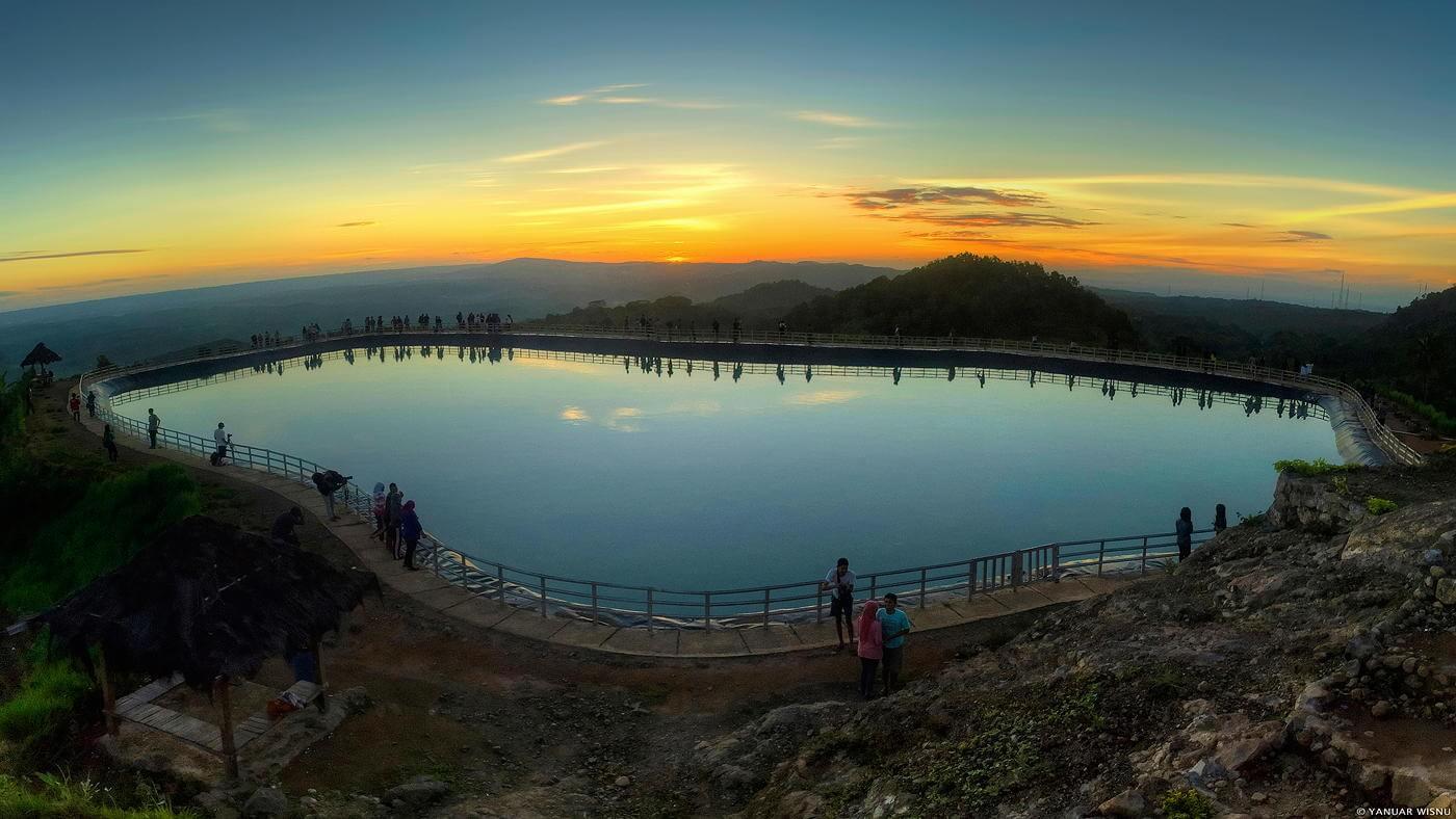 Pesona Danau Buatan Embung Nglanggeran di Kabupaten Gunung Kidul