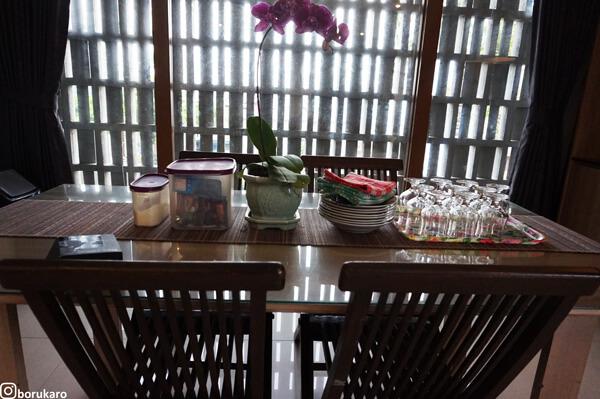Meja Makan Lantai 2