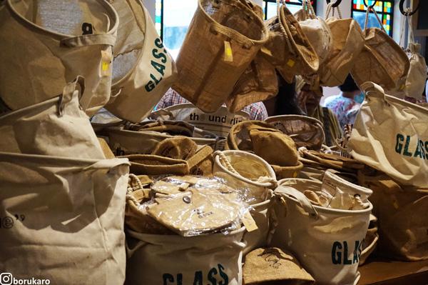 Aneka tas yang mirip dengan bahan karung goni
