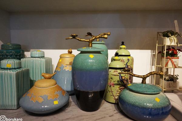 Keramik dengan warna soft