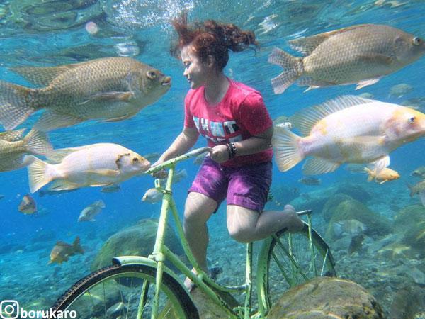 Pesona Foto Underwater di Umbul Ponggok Klaten